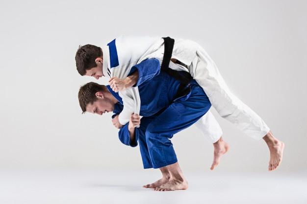 judokas luchando
